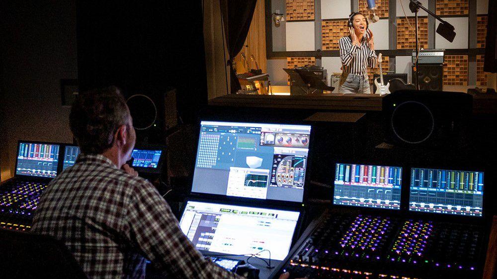 Dolby y Universal Music Group publican miles de canciones en Dolby Atmos