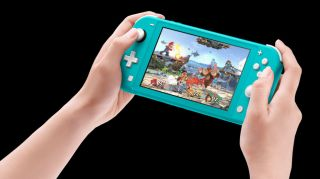 Switch Lite ofrece características de alta gama como HD Rumble o controladores extraíbles.