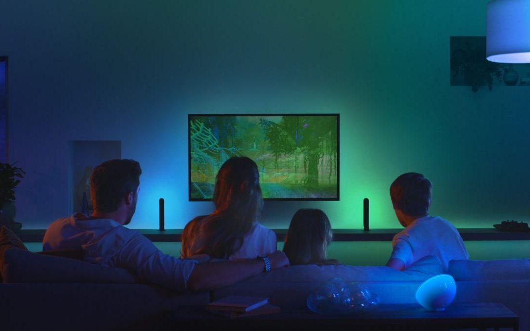 Las bombillas Philips Hue ahora se pueden conectar a la pantalla de su televisor para una iluminación envolvente