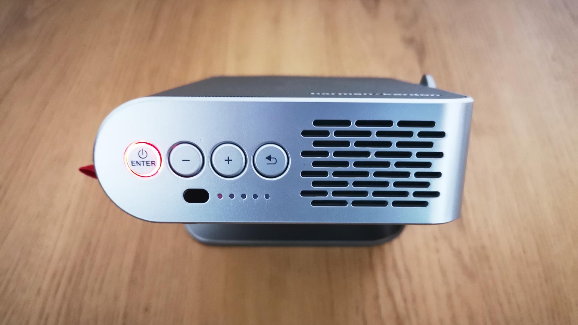 Una descripción general de los botones del dispositivo Viewsonic M1 Plus