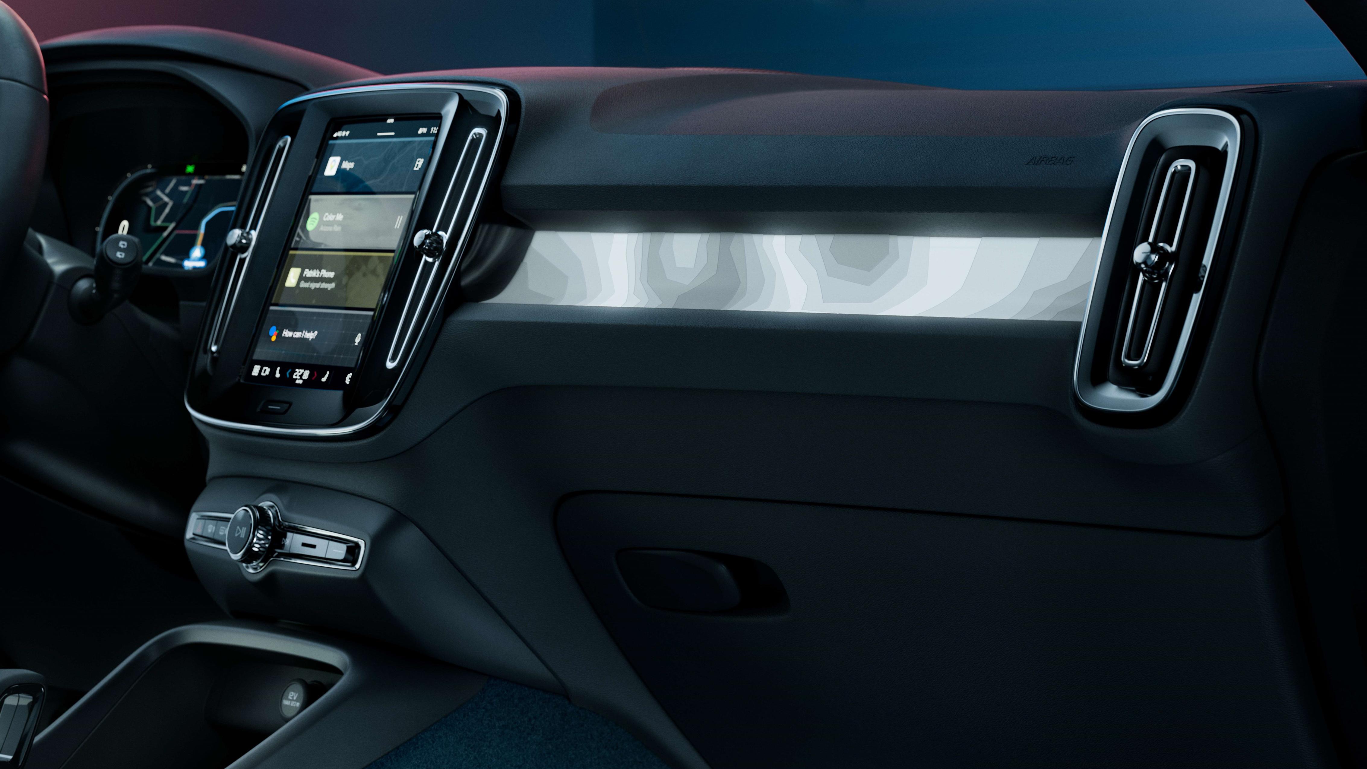 Vista del lado del pasajero del tablero de Volvo C40 Recharge