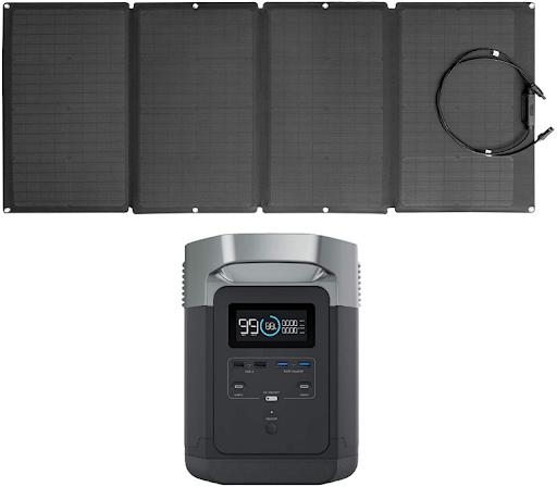 Un panel solar y una central eléctrica portátil EcoFlow DELTA