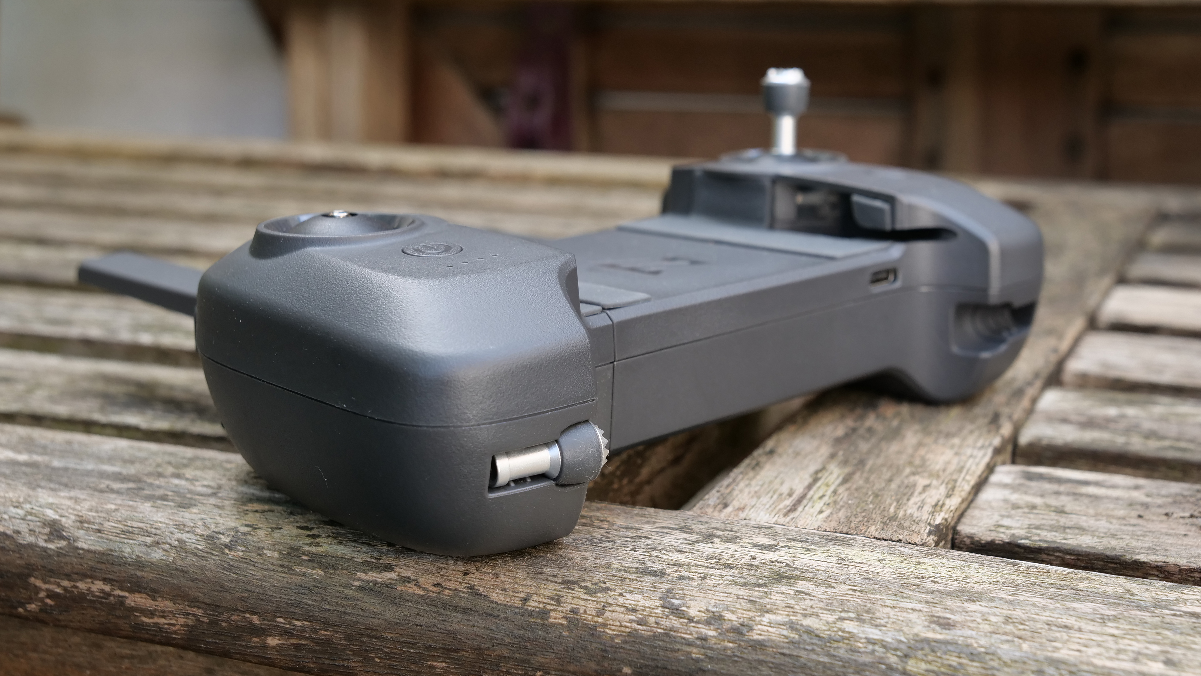 El controlador del dron FIMI X8 Mini