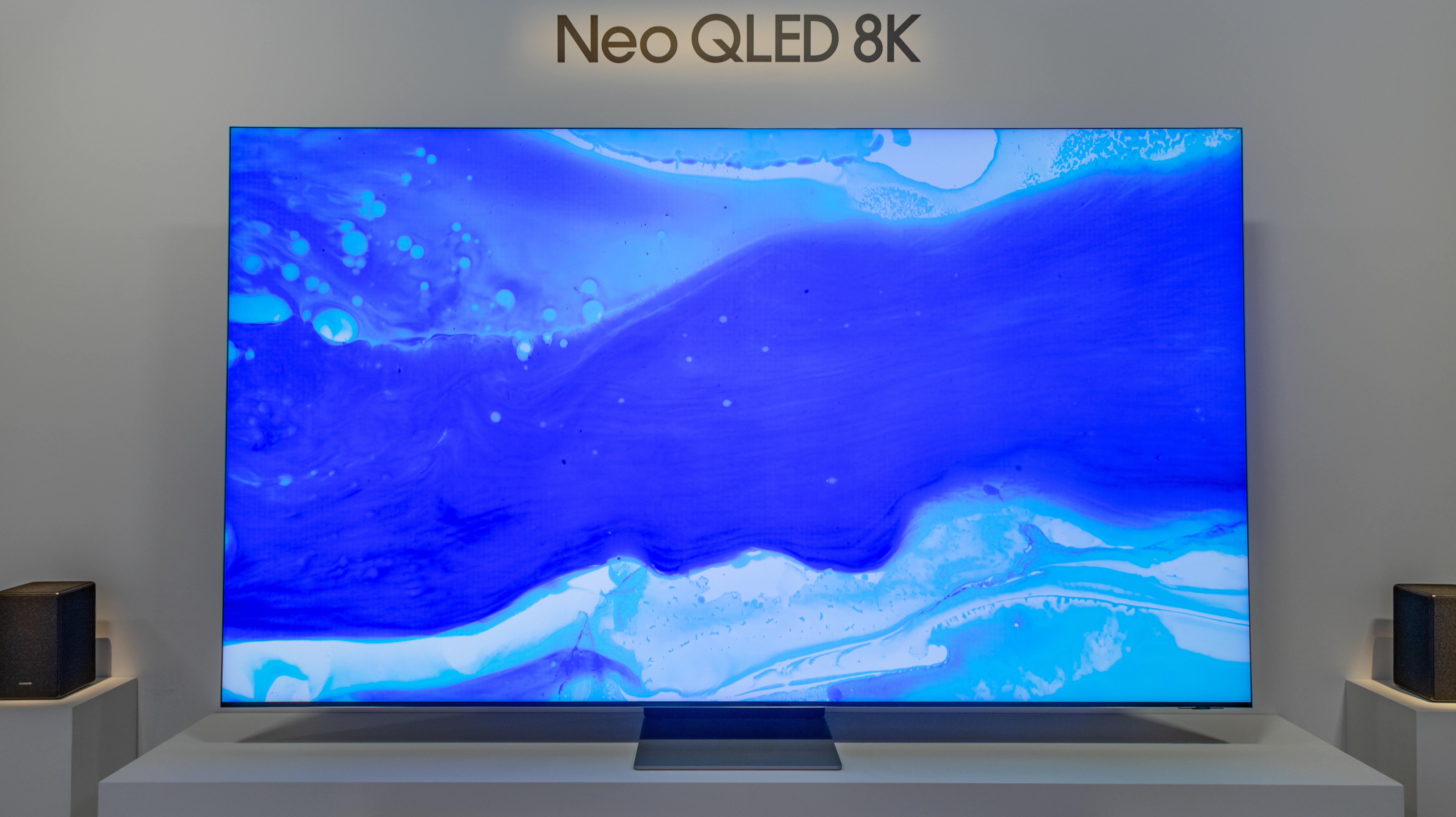 Una vista frontal del soporte QN900A.