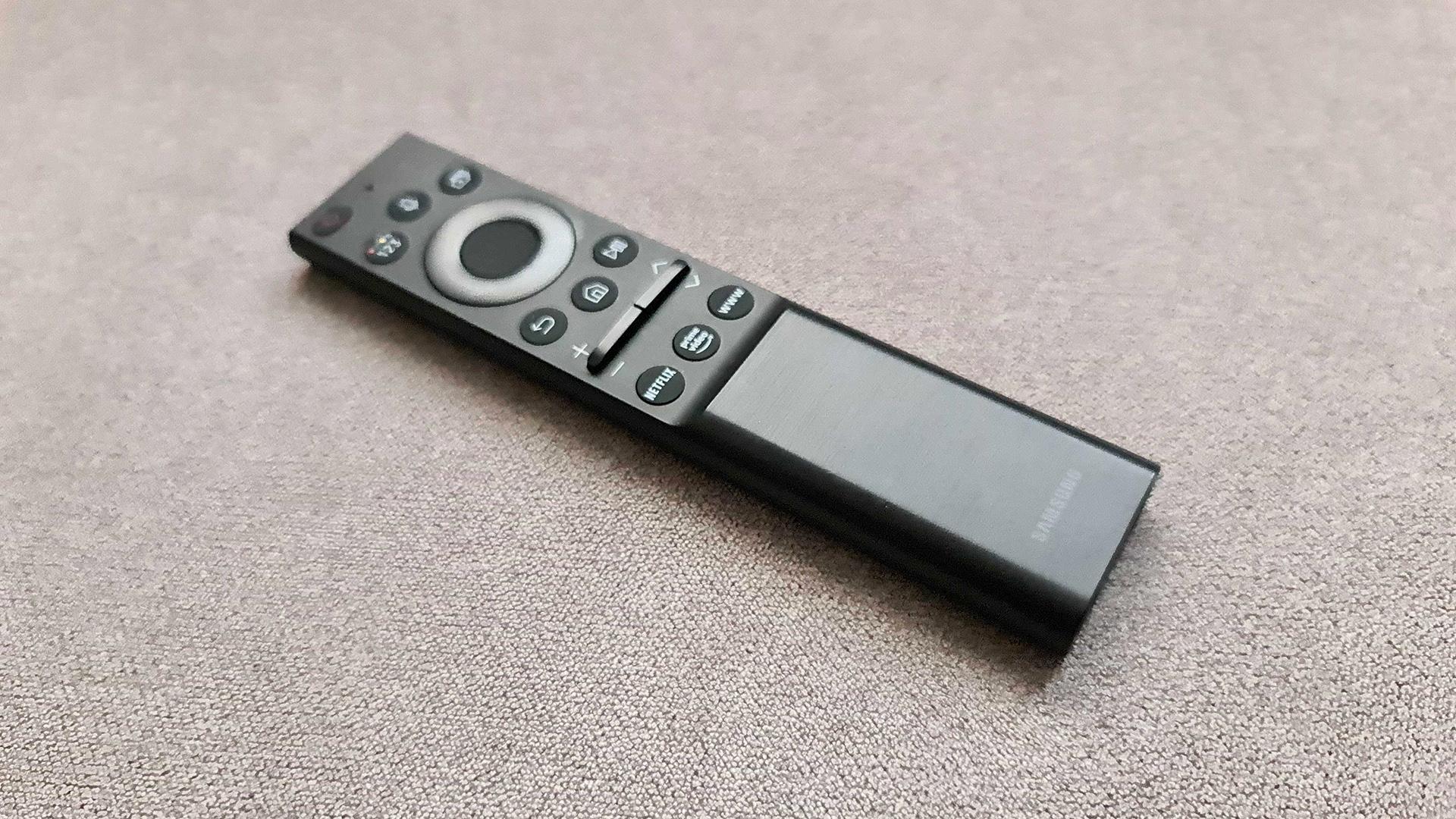 El control remoto Samsung QN900A Neo QLED 8K de cerca
