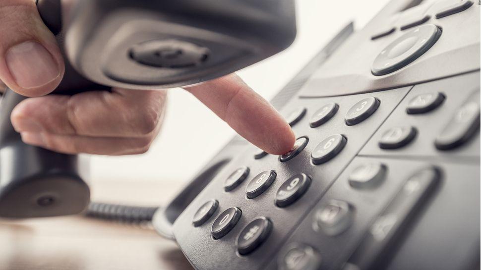 Millones de británicos han sido blanco de llamadas y mensajes de texto fraudulentos este verano.