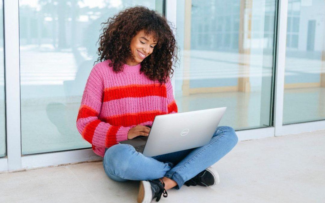 La tienda eBay de Dell toma hasta AU € uno con quinientos noventa y nueve en computadoras de escritorio y monitores XPS trece, Alienware