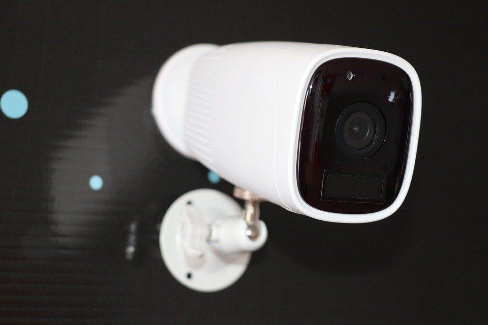 Razones por las que instalar una cámara de seguridad en tu hogar